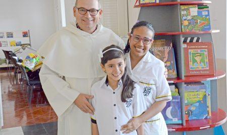 La Biblioteca del Colegio Lacordaire recibió donación