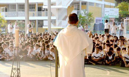 Oración Comunitaria para fortalecer lazos de compañerismo