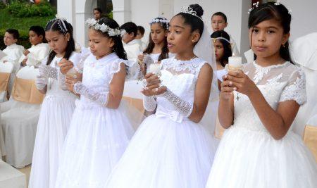 Se Celebró la Vida Sacramental de Nuestros Estudiantes